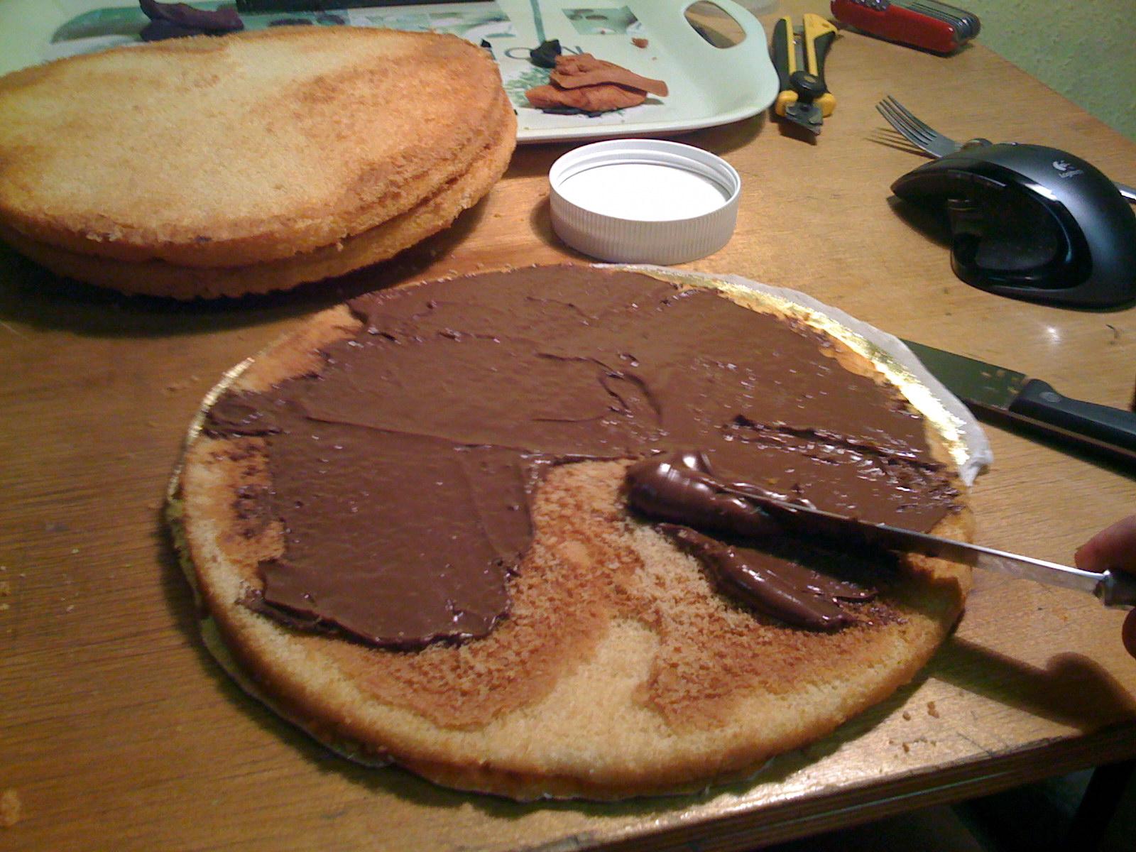 Двухъярусный торт с ромашками фото 11