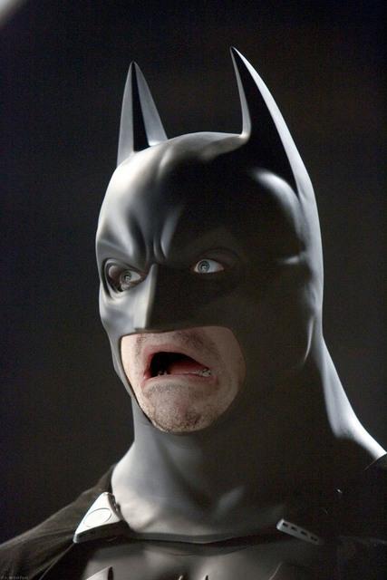 В своей деятельности Бэтмен...