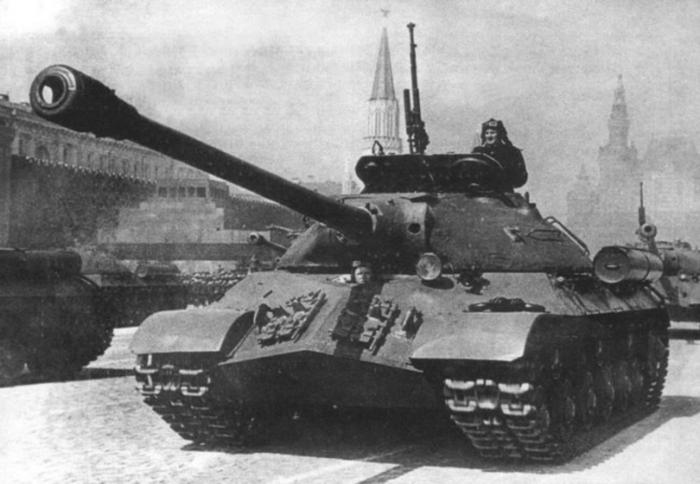 Смотреть онлайн бесплатно Тяжелые танки ИС-3 и Т-10 - Танки Онлайн - бесплатная онлайн игра